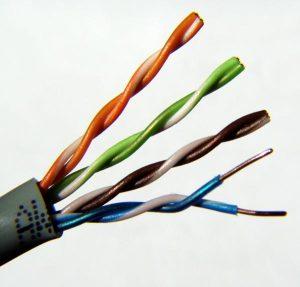 (Existen distintos tipos de cables de par trenzado)