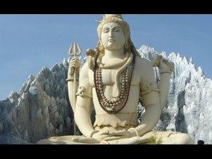 (El hinduismo es una religión politeísta)