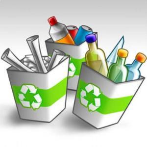 (Separar la basura es el primer paso del reciclaje)