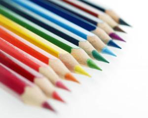 (Los lápices son un instrumento para escribir y dibujar)