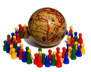 (La población es un grupo de individuos que viven en un determinado espacio geográfico)