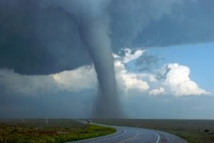 (El huracán es un fenómeno meteorológico)