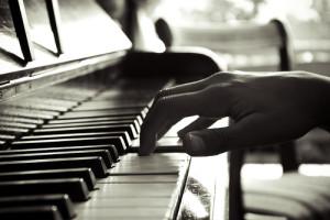 (Piano)